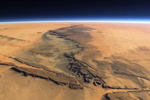 Фото поверхности Марса. Ученые НАСА сообщили, что обнаружили на поверхности планеты органические соединения