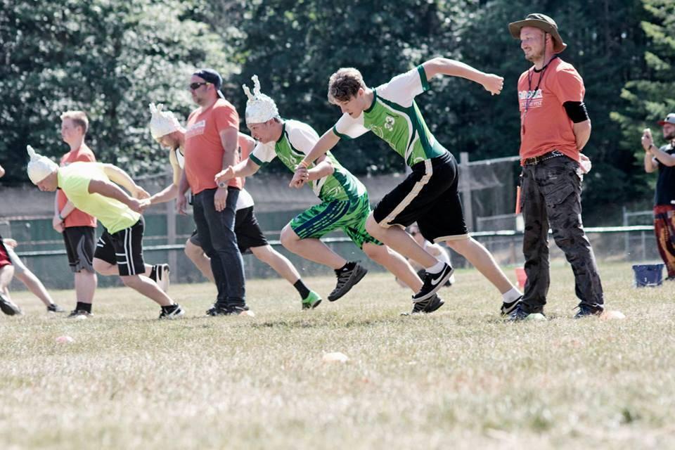На фотографии моменты соревнований. Фестиваль Дрова состоялся в районе район Большого Сиэтла