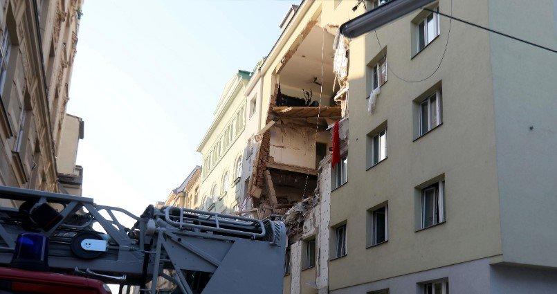 Взрыв прогремел в жилом доме в столице Австрии. На фото разрушенный дом
