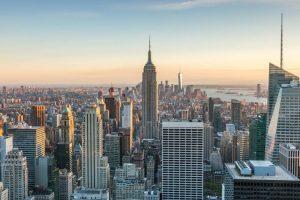 Штрафы до $250 тысяч: в Нью-Йорке запретили термин «нелегальный мигрант». На фото вид Нью-Йорка