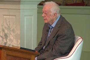 Бывший президент Джимми Картер провел урок в воскресной школе. На фотографии экс-президент